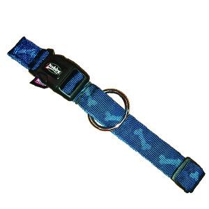 Halsband blauw Bone motief van Nobby met kllksluiting